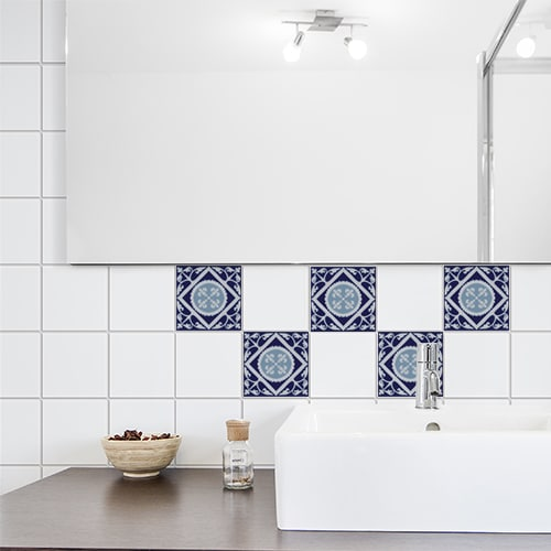 Autocollant décoration ciment gris bleu pour carrelage blanc de salle de bain