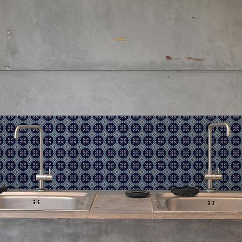 Adhésif ciment gris bleu pour décoration carrelage en béton gris de cuisine