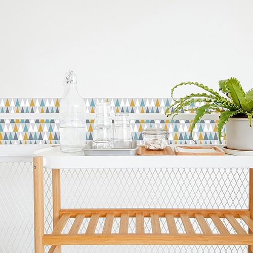 Sticker adhésif scandinave lichen déco triangles de couleurs pour carrelage blanc de salle à manger