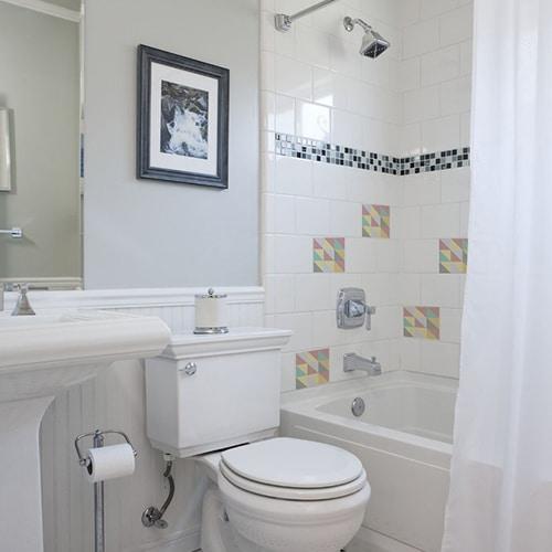 Adhésif décoration effet pastel scandinave pour carrelage blanc de salle de bain