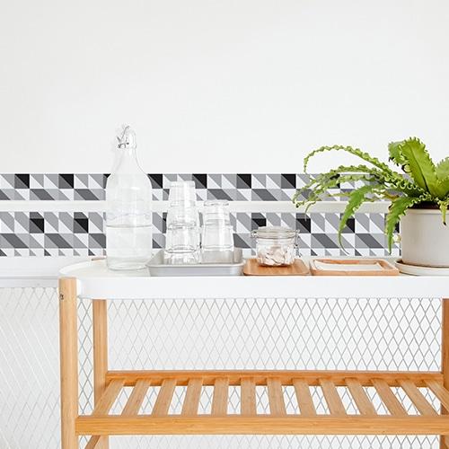 Autocollant décoration effet scandinave noir et blanc pour carrelage blanc de salle à manger