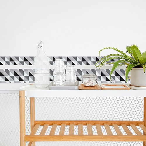 Autocollant déco Scandinave noir et blanc pour carrelage blanc de salle à manger