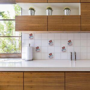 Adhésif déco Tea Time pour carrelage blanc de cuisine en bois