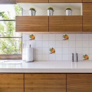 Adhésif déco Aquarelle d'intérieur pour carrelage blanc de cuisine en bois