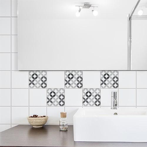 Adhésif céramique noir et blanc pour déco carrelage blanc de salle de bain moderne