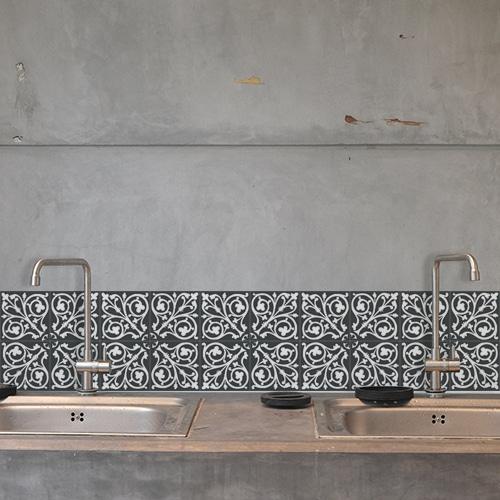Stickers adhésif ciment baroque gris foncé et blanc pour décoration carrelage en béton gris de cuisine