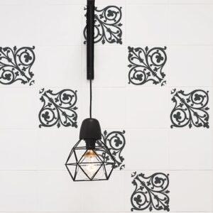 Autocollant déco ciment baroque gris foncé et blanc pour carrelage de cuisine