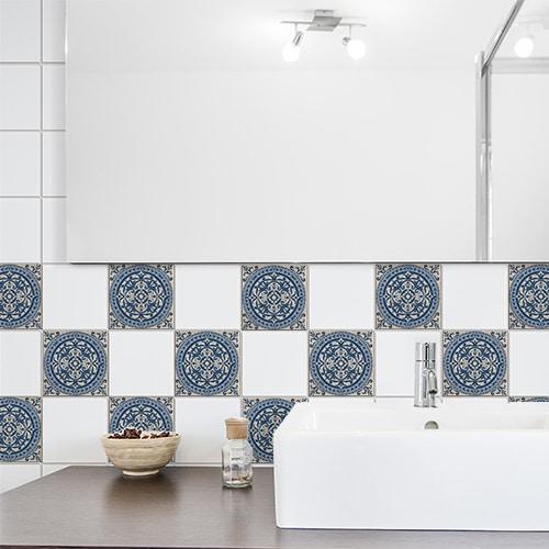 Sticker adhésif déco tomar bleu et beige pour carrelage de salle de bain
