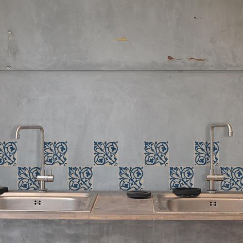 Stickers adhésif pour carrelage en béton gris Acores déco d'intérieur bleu et blanc dans une cuisine