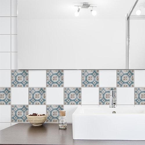 Adhésif carrelage déco bleu et marron marvao pour salle de bain moderne
