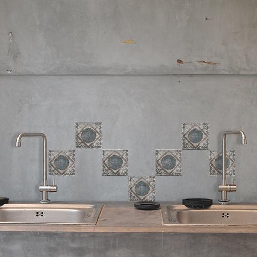 Autocollant Marvao bleu et marron décoration pour carrelage en béton gris de cuisine