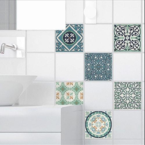 Adhésif Evora gris et vert déco pour carrelage blanc de salle de bain moderne