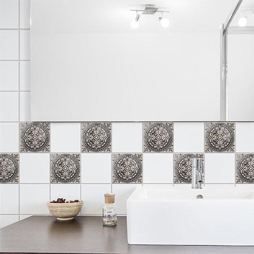 Stickers adhésifs Antico Brescia déco pour carrelage de salle de bain marron et blanc