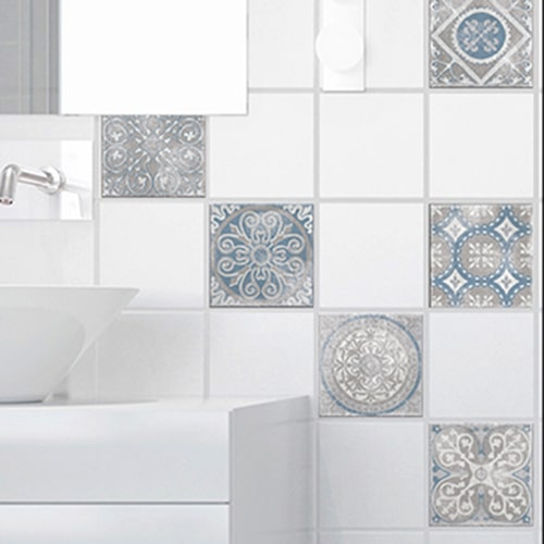 Sticker adhésif déco Antico Elvas beige et bleu pour carrelage blanc de salle de bain moderne