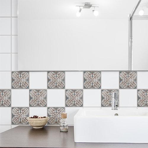 Sticker autocollant dans une salle de bain au dessus de l'évier Antico Baixa