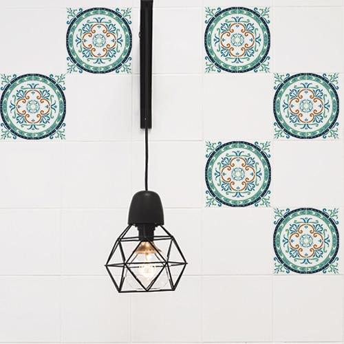 Adhésif ciment vert et orange pour décoration carreaux blanc de cuisine