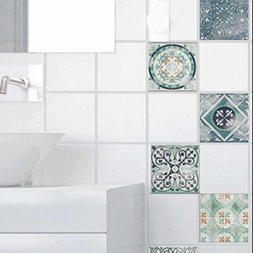 Adhésif sticker Antico Evora gris pour déco de carrelage blanc de salle de bain moderne