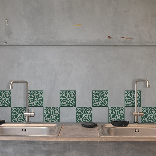 Stickers carreaux naxos au dessus d'un évier décoration pour carrelage