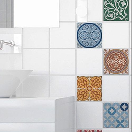 Adhésif sticker pour déco de carrelage blanc Naxos bleu pour salle de bain moderne