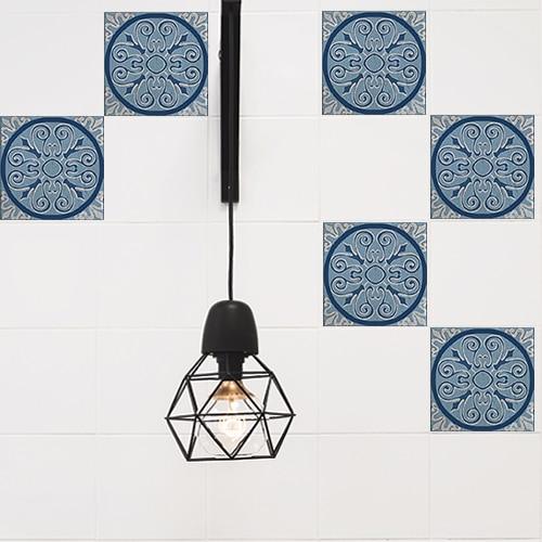 Adhésif Naxos bleu pour décoration de carrelage blanc de cuisine