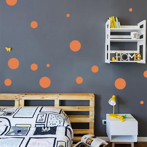 Adhésif sticker rond orange pour déco de mur foncé de chambre d'enfant