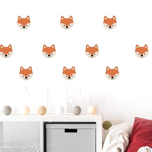 Sticker adhésif déco chambre d'enfant tête de renard sur mur blanc