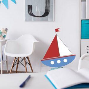 Sticker autocollant voilier pour enfants dans un bureau d'enfants