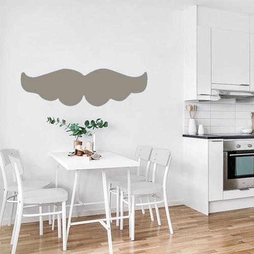 Sticker géant moustache taupe bien fournie dans une cuisine