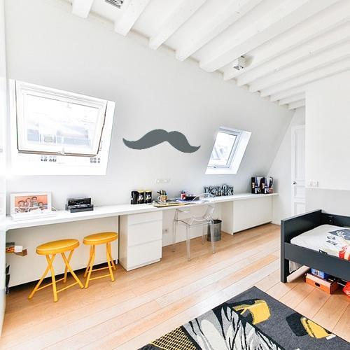 sticker mural géant moustache grise foncée dans une chambre