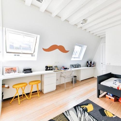 sticker mural géant moustache orange dans une chambre