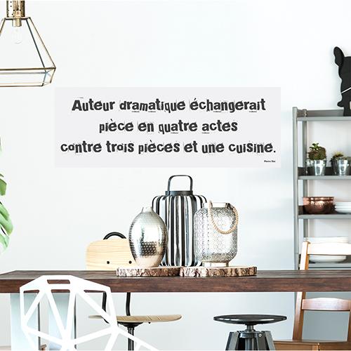 Sticker adhésif Auteur dramatique au dessus d'une table à manger dans un salon