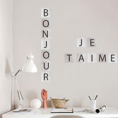 Sticker Bonjour Je t'aime citation au dessus d'un bureau