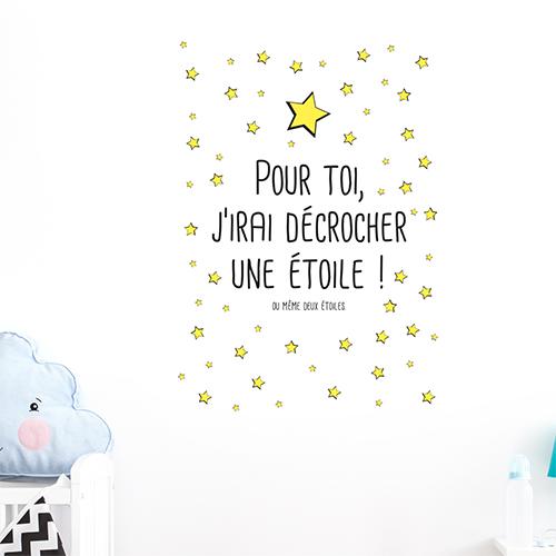 Salon décoré avec un sticker citation Keep your eyes