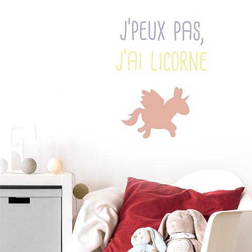 Adhésif muticouleurs décoration licorne pour chambre d'enfant
