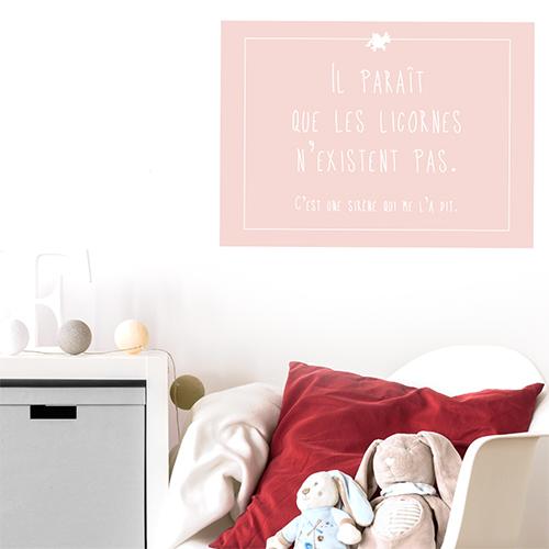 Adhésif citation licorne rose pâle pour déco de chambre d'enfant