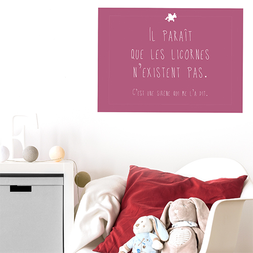 Adhésif rose foncé citation decorative sur les licornes pour chambre d'enfant