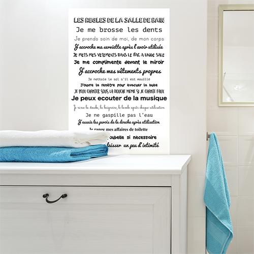 Sticker mural Les règles de SDB dans une salle de bain au dessus d'une table