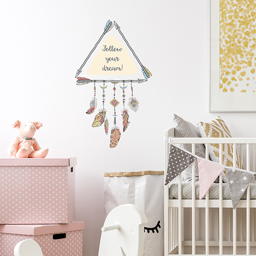 Sticker autocollant attrape rêve Follow your dream dans une chambre d'enfant