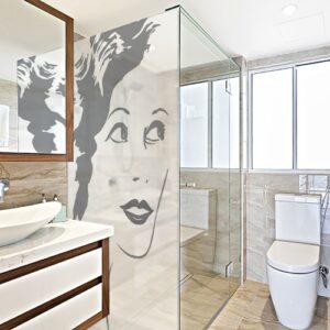 Sticker autocollant silhouette femme dans une salle de bain