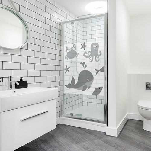 Adhésif gris Animaux Marins pour déco de salle de bain moderne et de sa paroi de douche