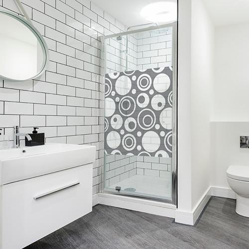 Stickers adhésif déco gris Diapo Sixties pour paroi de douche de salle de bain moderne