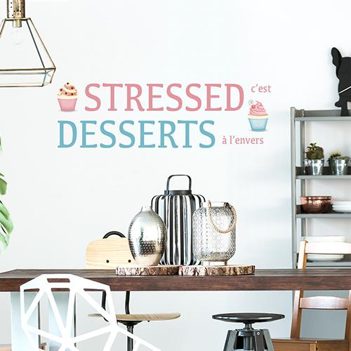 Sticker adhésif Stressed dessert au dessus d'une table de salon