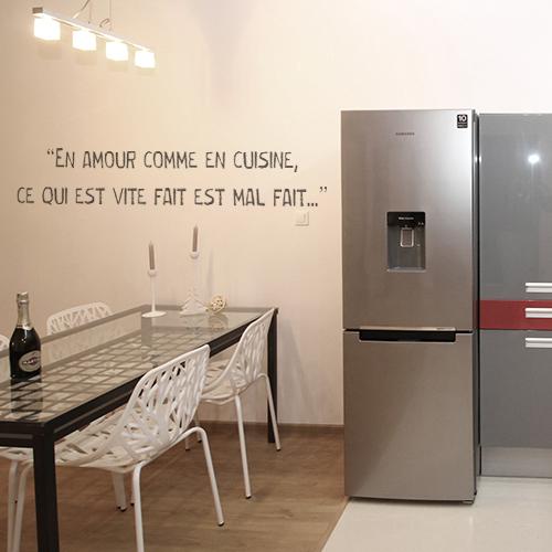 Sticker Amour cuisine déco à côté d'un frigo