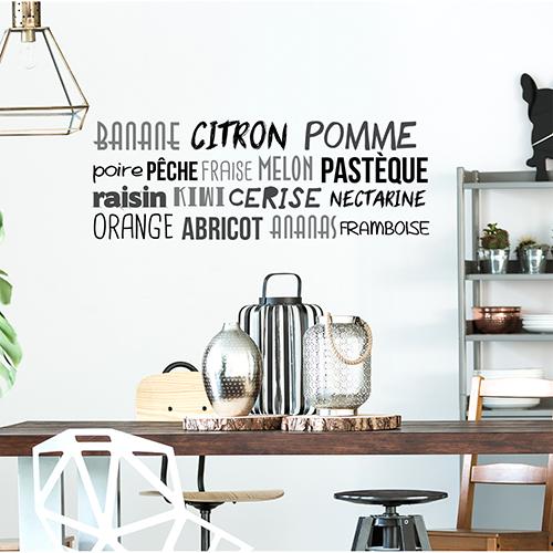 Sticker mural citation Ananas citron au dessus d'une table dans un salon