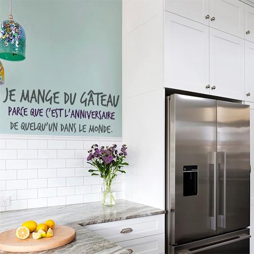 Sticker autocollant Je mange du gateau sur un mur de cuisine