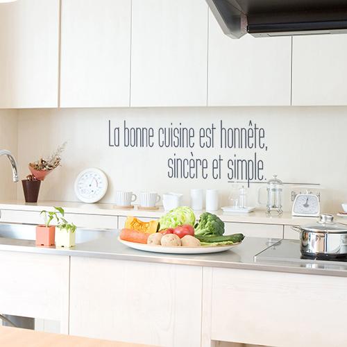 Sticker mural La bonen cuisine au dessus d'un plan de travail