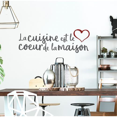 Sticker adhésif La cuisine est le coeur au dessus d'une table