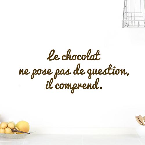 Sticker le chocolat décoration sur un mur blanc
