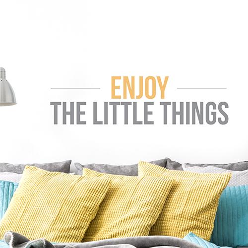 Sticker jaune citation Enjoy the little things pour décoration murale