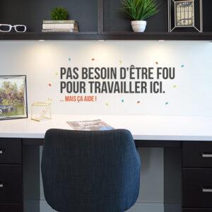 Sticker autocollant multicolor pas besoin d'être d'être collé sur le mur d'un bureau